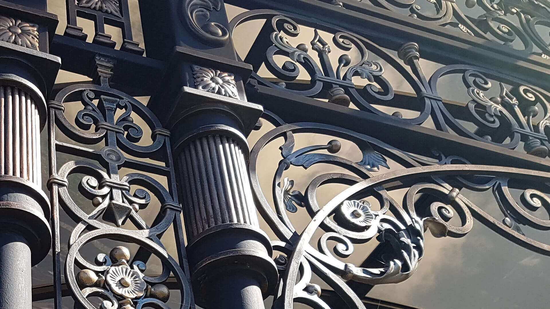 Artistic forging Kiev. Order wrought iron gates of a staircase, workshop. A company for the production of forged products in Kiev