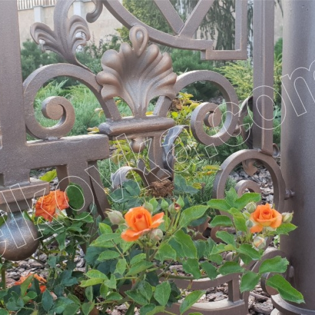 Forged element of the gazebo