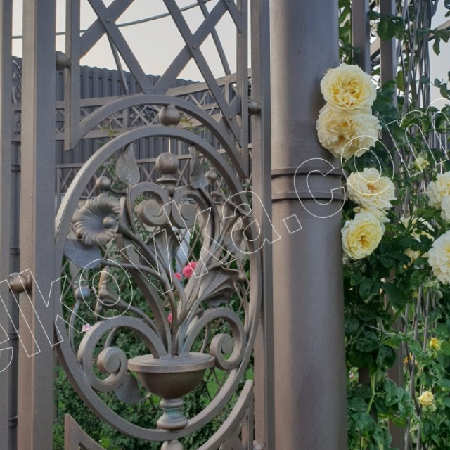 Wrought iron bouquet