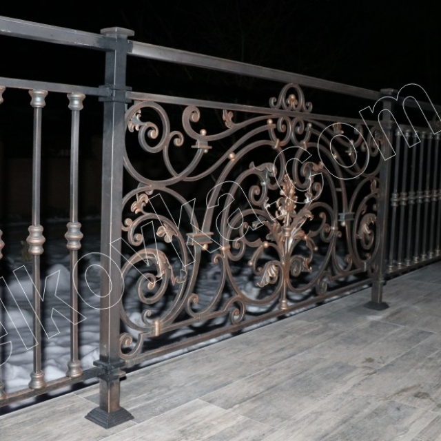 Fence on the terrace. Installation