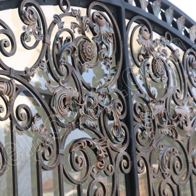 Gate forging polycarbonate