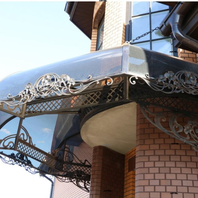 Canopy over the entrance, polycarbonate