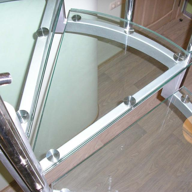 Spiral staircase with glass
